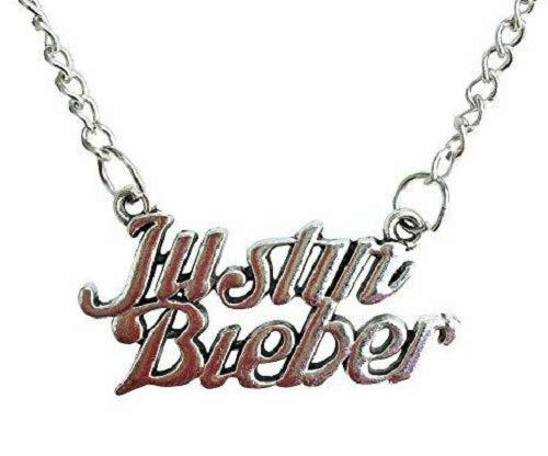 Justin Bieber collar colgante