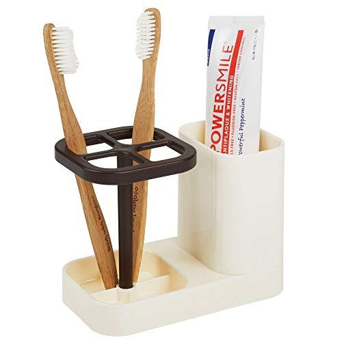 mDesign Soporte para cepillo de dientes – Moderno porta cepillo de dientes con espacio para pasta de dientes – Accesorios para el baño en plástico – Guarda hasta 4 cepillos de dientes – crema/bronce