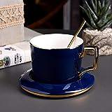 Yqs Set Tazzine caffè Coppa Europa di Ceramica di Lusso della Tazza di caffè Set Creativo Luce con Un Cucchiaio Piatto for i Regali Home Cafe Ufficio Divertimento caffè (Color : B)