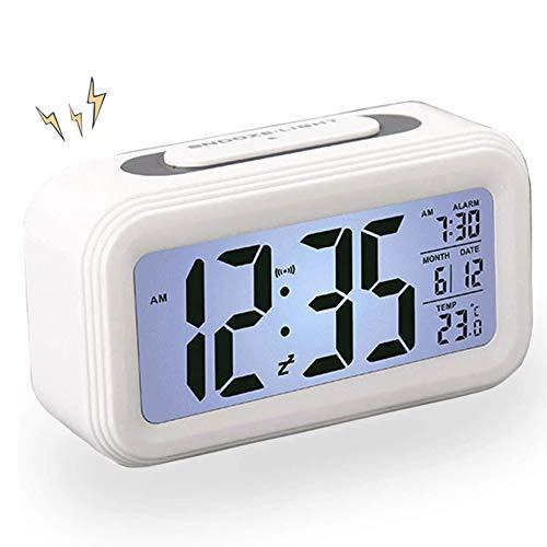 AISOO Despertadores Digitales, Reloj Despertador LCD Digital, Multi-Funciones Alarma Inteligente Muestra Hora, Temperatura, Fecha Silencioso para Viejos Niños en Casa Oficina (Blanco)
