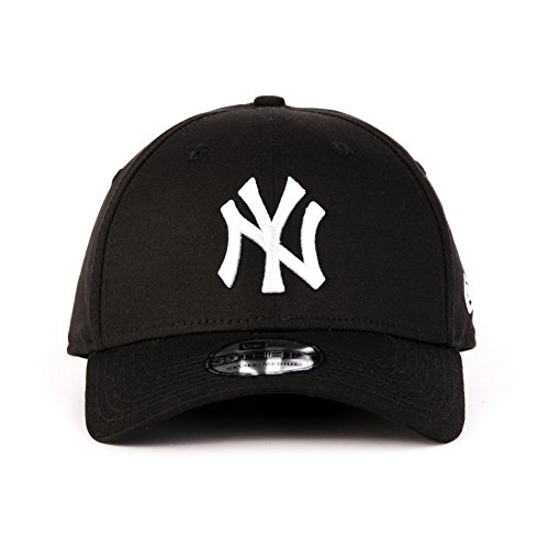 New Era 39THIRTY League Basic New York Yankees Cap in Black Small / Medium