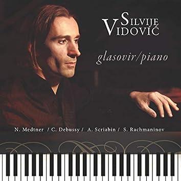 Silvije Vidović, Glasovir