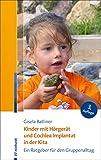 Kinder mit Hörgerät und Cochlea Implantat in der...