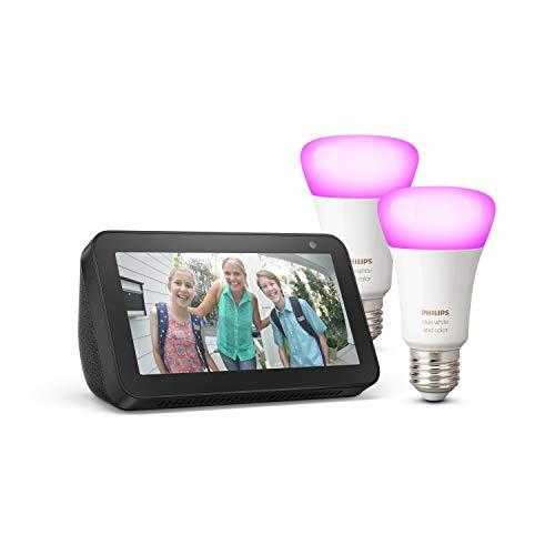 Echo Show 5, negro + Philips Hue White & Color Ambiance Pack de 2 bombillas LED inteligentes, compatible con Bluetooth y Zigbee, no se requiere controlador
