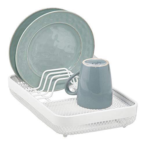 mDesign Escurridor de platos compacto para el fregadero o la encimera – Bandeja escurreplatos con 6 ranuras para platos – Cesta metálica para secar platos, vasos y cubiertos – blanco