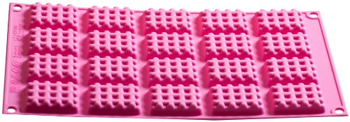 Silikomart 26.147.19.0069 SF147 Moule pour Gaufre Taille Mini Forme Rectangulaire Silicone Fuchsia