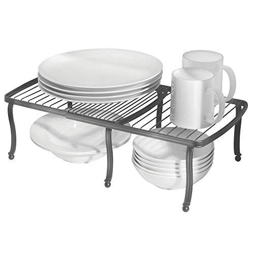 mDesign Repisa ajustable para interiores de armarios de cocina – Práctica balda extensible de metal para ampliar el espacio de guardado – Estante para platos antideslizante – gris oscuro