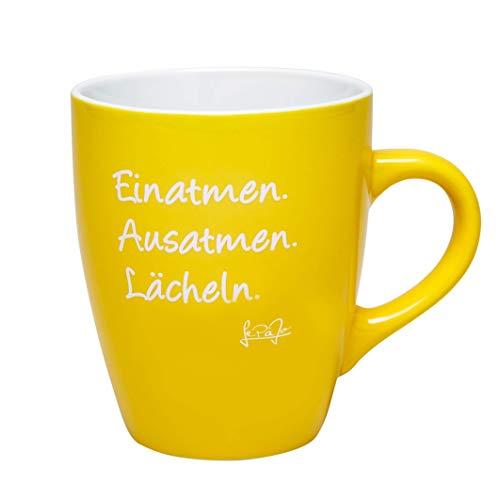 LePaJo Tasse mit Spruch: Einatmen. Ausatmen. Lächeln. Gelb. Farbenfrohe Kaffeetasse mit Spruch, das besondere Geschenk, Geschenk-Tasse