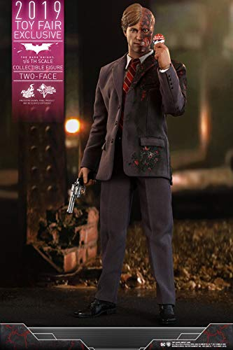 Two Face The Dark Knight Movie Masterpiece 1/6 Scale Hot Toys Exclusive Figure