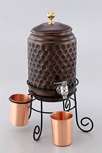 WorldOfIndianArt Presents - Dispensador de agua con acabado antiguo, 4,5 litros en soporte mejorado y grifo de calidad con 2 vasos