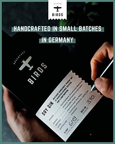 BIRDS Dry Gin - Frischer Deutscher Handmade Gin mit Basilikum, Zitrus und Ingwer - Handgefertigt mit 15 Zutaten aus 5 Kontinenten (0,5l) - 2