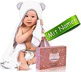 Kapuzenhandtuch Baby bestickt mit Namen/Geburtsdatum, Baby Handtuch personalisiert - zur Taufe, Geburt. Kinderhandtuch aus 100% Bambus, weiß/grau, 100x70cm + GRATIS Waschlappen, für Jungen und Mädchen