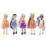 Barbie Chelsea Color Reveal, muñeca sorpresa color metálico y brillo con accesorios de moda sorpresa (Mattel GTT23)