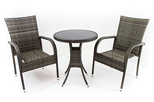 AVANTI TRENDSTORE - Amelia - Set da giardino in polirattan grigio, 2 sedie (dimensioni LAP 46x90x62 cm) e 1 tavolo rotondo con vetro nero (diametro: 62 cm, altezza: 72 cm)