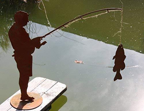 Rostikal | Angler Figur Otmar mit Fisch | Geschenkidee für Angelfreunde aus Edelrost | auf Bodenplatte | 60 cm hoch