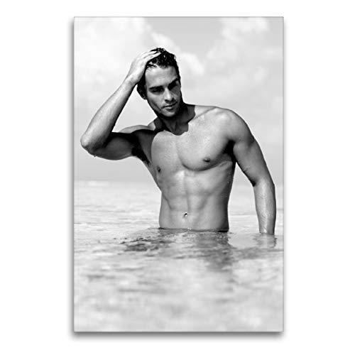 Premium Textil-Leinwand 60 x 90 cm Hoch-Format Sehr sinnlich Durchtrainierter Mann im Meer | Wandbild, HD-Bild auf Keilrahmen, Fertigbild auf hochwertigem Vlies, Leinwanddruck von CALVENDO