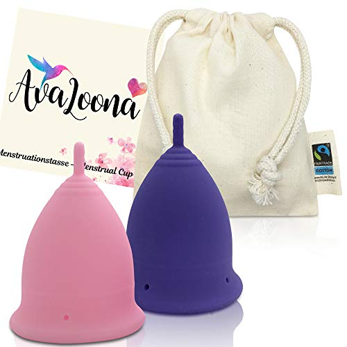 2 AvaLoona Menstruationstassen Made In Germany mit fairtrade Bio Baumwollsäckchen - hygienisch, nachhaltig, antiallergen und vegan - Doppelpack (groß, Rosa-Lila, 2 Menstruationsbecher)