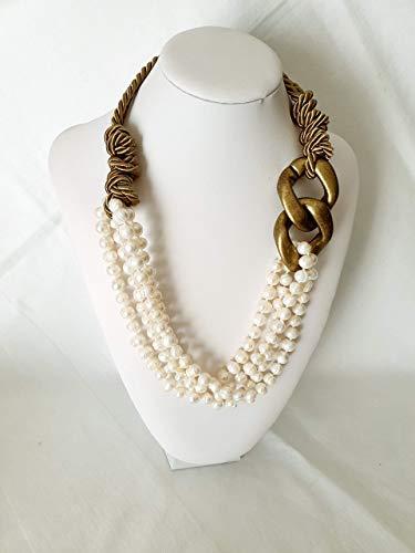 Collana in seta ritorta con motivo in resina e perle di fiume