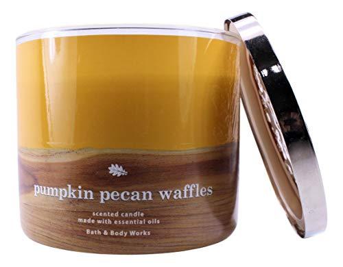 White Barn Candle Company Bath and Body Works Vela perfumada de 3 mechas con aceites esenciales, 16 oz – Gofres de calabaza de pegan, jarabe de arce, gofres, especias de calabaza y azúcar morena)