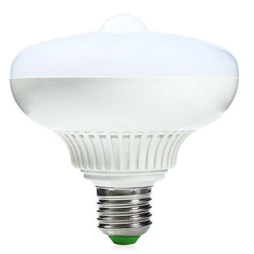 AKDSteel Bombilla LED con sensor de movimiento por infrarrojos, luz nocturna activada por movimiento, luz blanca cálida, bombilla para coche, escalera, E27, 12 W