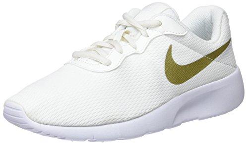 Nike Jungen Tanjun (BG) Gymnastikschuhe, Beige (Summit White/MTLC Gold Star/wh 100), 38 EU