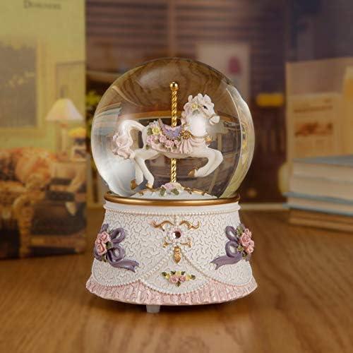 Carousel snow globe _image4