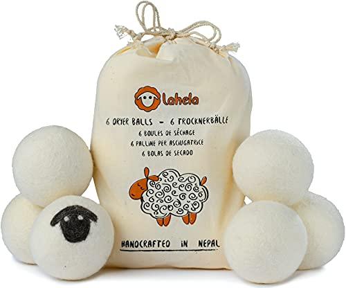 Bolas de secado LAHELA - 6 piezas. 100% lana de oveja de Nueva Zelanda. Probado por la TÜV. Ahorra electricidad al acortar el tiempo de secado. Alternativa ecológica al suavizante. Hecho a mano en Nepal. El original desde 2016 con la oveja negra.