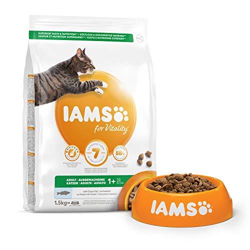 IAMS Vitality - Croquettes Premium Chats Adultes 100% Complètes et équilibrées - Aux poissons de l'océan - Sans OGM Colorant Arôme Artificiel - Sac refermable 1,5 kg