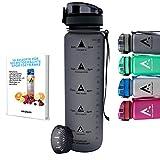 AROGUN Trinkflasche 1L mit Fruchtsieb, Wasserflasche mit Zeitmarkierung, AUSLAUFSICHER und BPA FREI, geeignet für Fahrrad, perfekt für Sport, Schule, Fitness, Outdoor - Uhrzeit und Motivation (Grau)