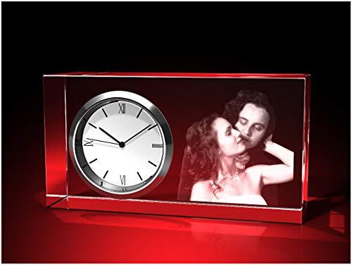 GLASFOTO.COM, Glasfoto Uhr eckig, 95 x 50 x 35 mm, Querformat, mit Ihrem eigenen Foto als individuell anpassbares Geschenk, Kristallglas Innengravur in Premiumqualität