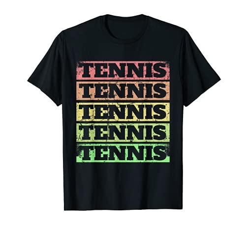 Jugador de tenis Divertido saque en la pista de tenis Camiseta