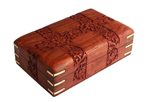 Store Indya, Mano di Charme in legno intagliato gingillo decorativi Jewellery Box (15.2 X 10.2 X 6.4) cm con floreali Sculture e angoli in ottone