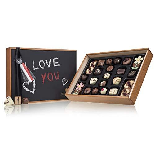Chocoliscious mit Tafel - Liebe - ein Schokoladenset aus siebzehn handgemachten Pralinen, vier Keksen und vier Schokoblumen - Schokolade - Geschenk - Valentinstag