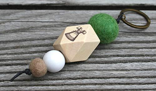 Schlüsselanhänger/Dirndl/verschiedene Motive (z.B. Anker, Herz, Babyfüße, Stern, Pusteblume.), mit Namen und Wörtern möglich