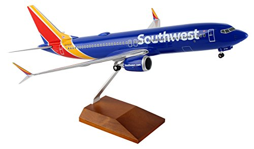 Daron Skymarks SKR8268 Southwest Airlines SWA Boeing 737-MAX8 1/100 Scale With Wood Stand & Gear