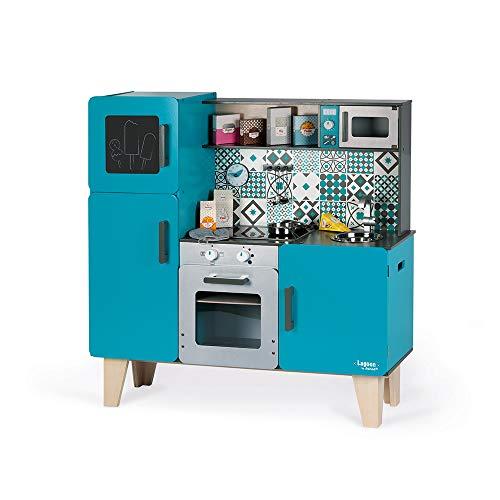 Janod Kinderküche aus Holz Lagoon Maxi mit Kühlschrank und Mikrowelle – Kinder Spielzeug Küche – Inkl. 15 Zubehörteilen – Ab 3 Jahren, J06555 - 2