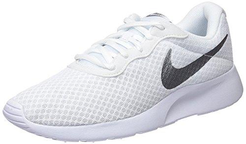 Nike Tanjun, Zapatillas de Running para Mujer, Blanco (White/Metallic Silver 101), 36 EU