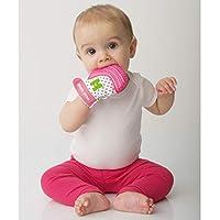 Raccomandato soprattutto per bambini da 3a 7mesi. Può essere utilizzato fino ai 12mesi di età. Incluso: 1guantino da dentizione e un sacchetto per il lavaggio o il trasporto. Basta raccogliere da terra i giocattoli dopo che sono stati messi in bo...