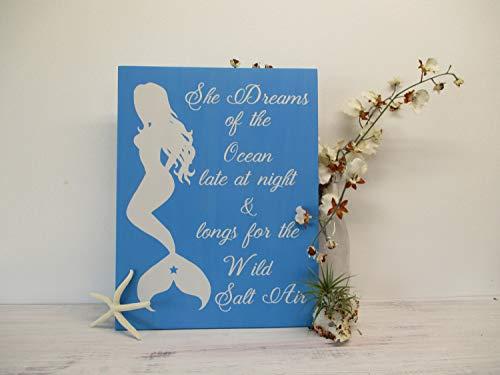 Promini drewniany znak - She Dreams of the ocean późne - zabawna dekoracja ścienna rodzinne wakacje dom wiejski rustykalna wisząca dekoracja do salonu sypialni biura znaki sklepu, 30 cm x 40 cm