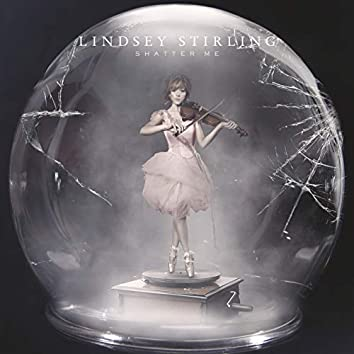 Shatter Me (Deluxe)