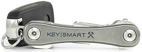 KeySmart Rugged - Multi-Tool Schlüsselhalter mit dem Flaschenöffner und Taschen Clip (bis zu 14 Schlüssel, Titan)