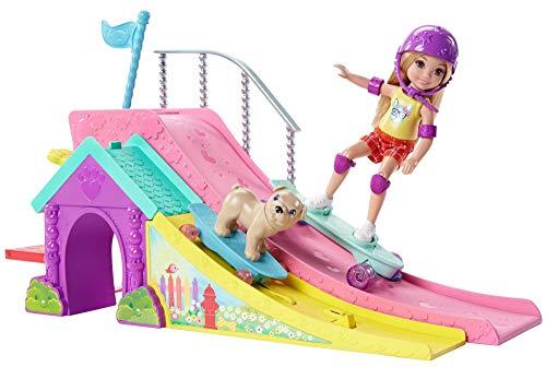 Mattel Barbie FBM99 Chelsea Puppe und Skateboard-Rampe