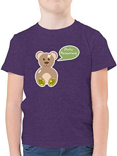 Up to Date Kind - Bär Gute Besserung - 128 (7/8 Jahre) - Lila Meliert - Pflaster - F130K - Kinder Tshirts und T-Shirt für Jungen