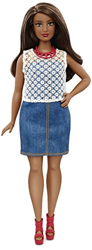 Barbie Fashionistas - Muñeca, Elegante con Vaqueros (Mattel DPX68)