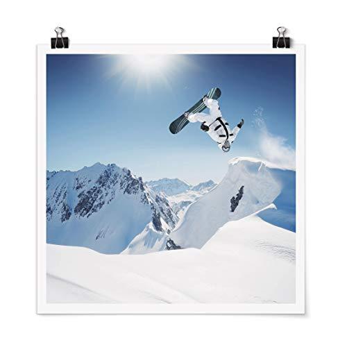 Bilderwelten Poster Fliegender Snowboarder Quadrat, Selbstklebend seidenmatt 50 x 50cm