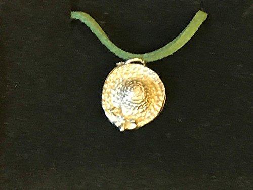 Gorro de mimbre/paja con lazo TG103 de peltre inglés en un collar de cordón verde de 45,7 cm enviado por los regalos de EE. UU. para todo 2016 de Derbyshire UK