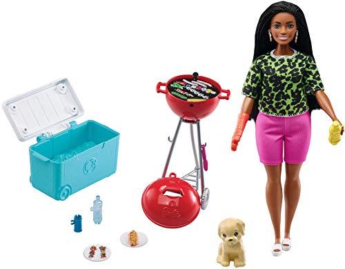 Barbie Set de juego con barbacoa aromatizada, perrito y accesorios de juguete para muñecas, regalo para niñas y niños +3 años (Mattel GRG76)