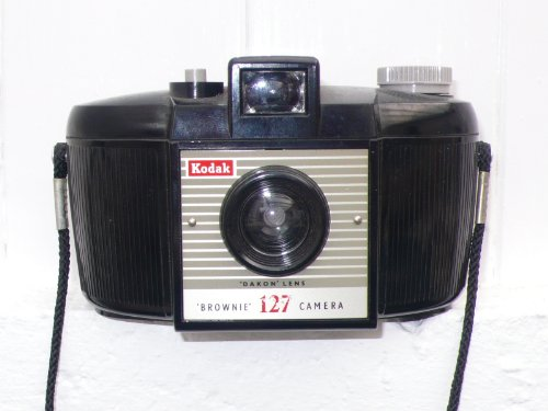 Kodak Brownie 127: A new lease of life with 35mm film (English Edition)
