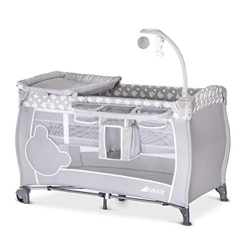 Hauck Babycenter Reisebett, kompakt, von Geburt bis 15 kg, mit doppelter Höhe für Neugeborene, Wickelunterlage, Utensilienaufbewahrung, Rollen, Tragetasche, Bogen – Grau