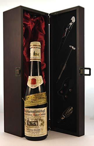 Winzergenossenschaft 1976 Bad Durkheim (1/2 Bottle) en una caja de regalo forrada de seda con cuatro accesorios de vino, 1 x 375ml